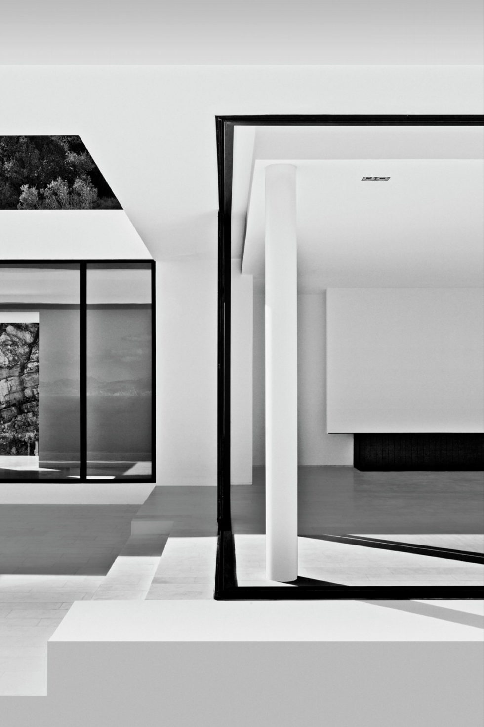 Silver House In Greece Upon The Project Of Dwek Architects Studio 19