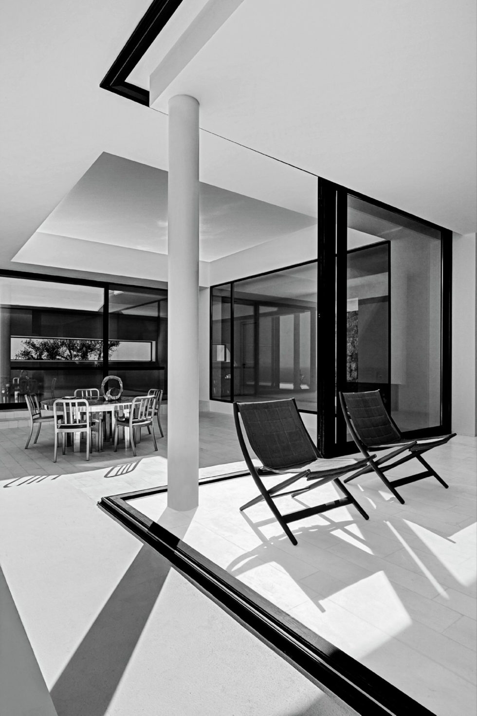 Silver House In Greece Upon The Project Of Dwek Architects Studio 20