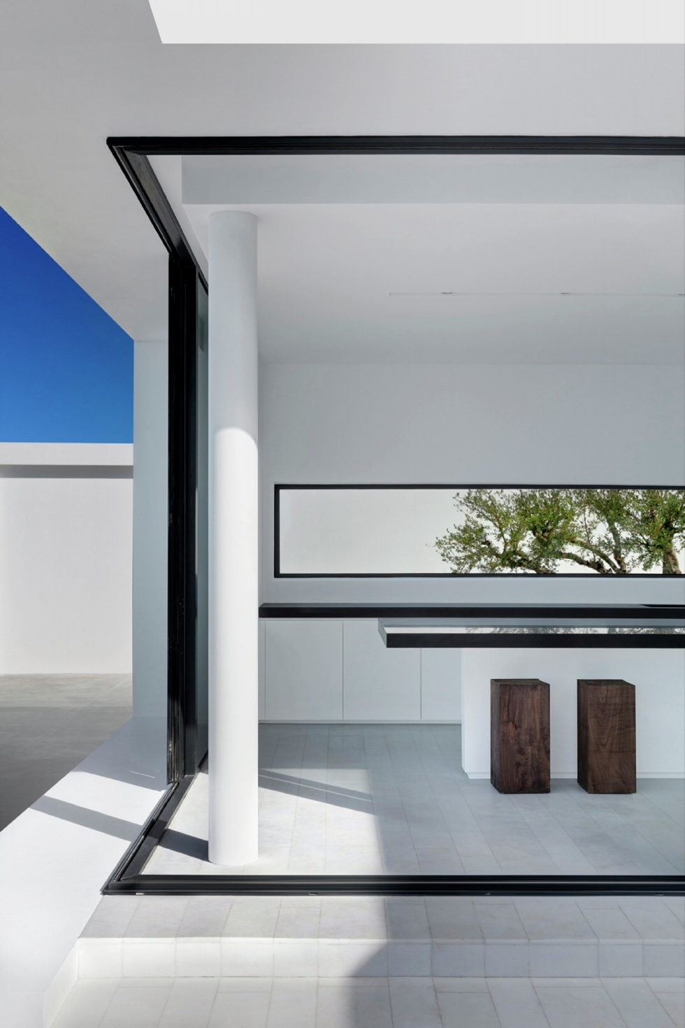 Silver House In Greece Upon The Project Of Dwek Architects Studio 5