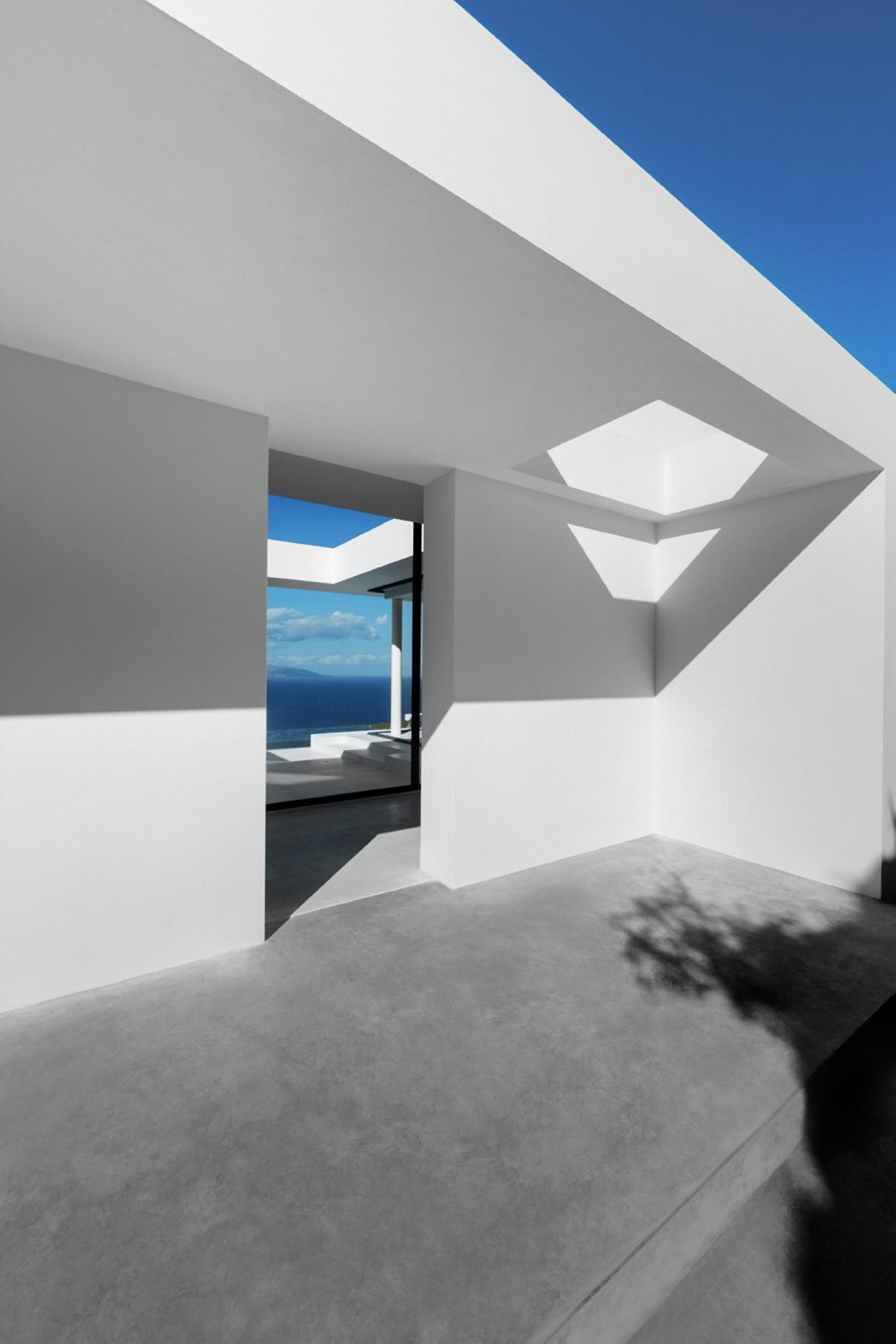 Silver House In Greece Upon The Project Of Dwek Architects
