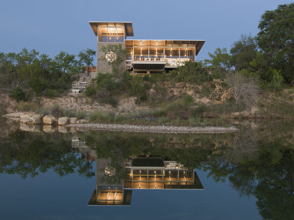 The House Made Of Aluminum Trailer In Texas From Andrew Hinman Architecture 1