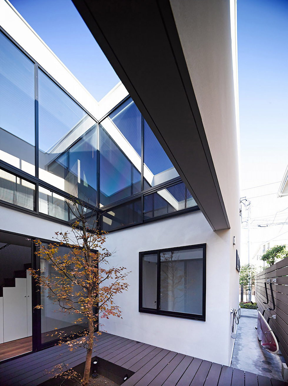 The Wave house by the APOLLO Architects & Associates studio 10