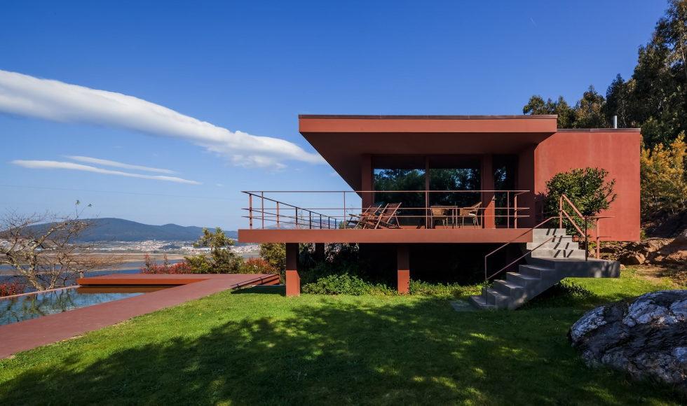 The country residence Casa de Seixas Portugal from Castro Calapez Arquitectos studio 1