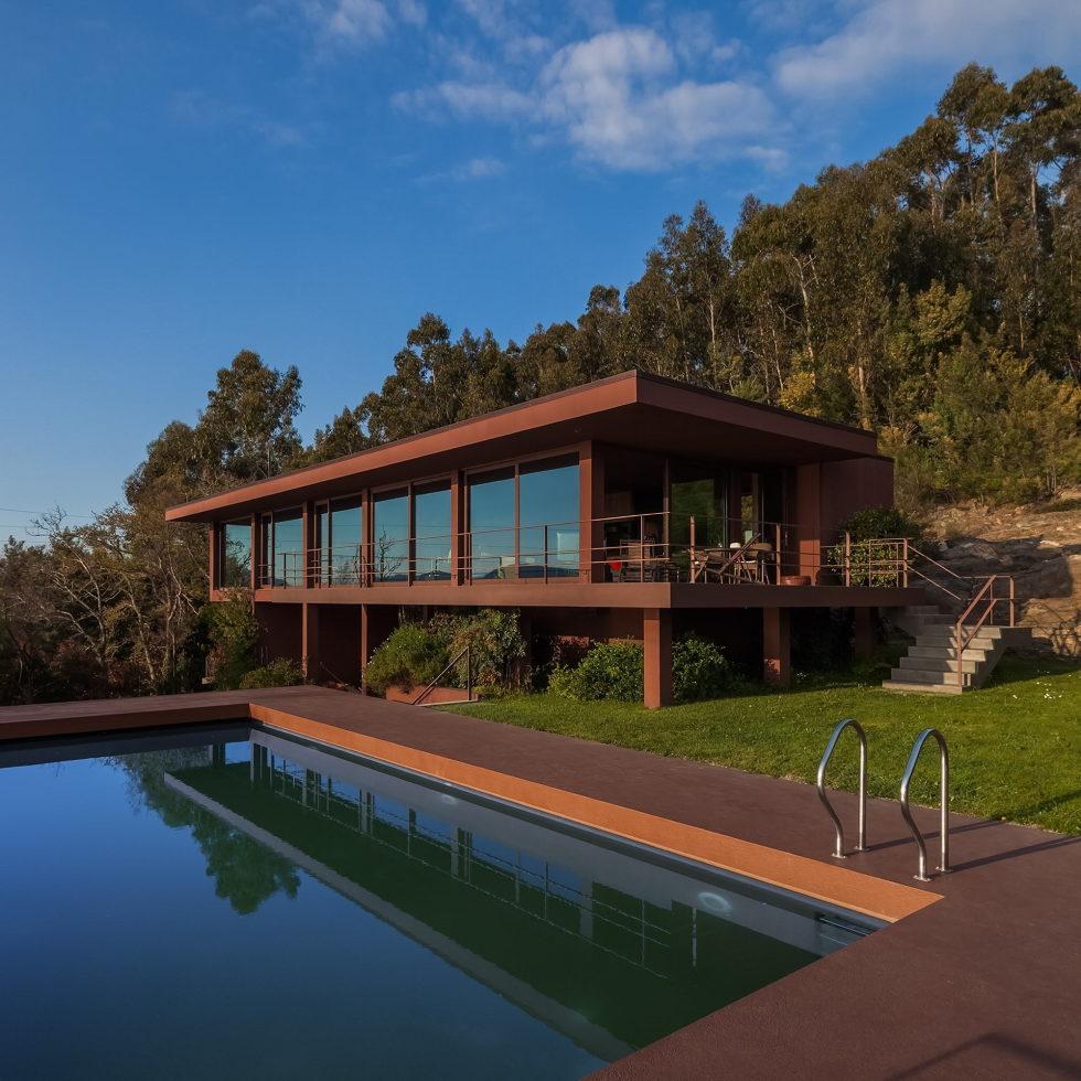 The country residence Casa de Seixas Portugal from Castro Calapez Arquitectos studio 10