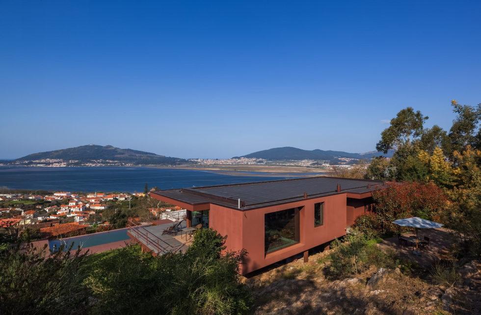The country residence Casa de Seixas Portugal from Castro Calapez Arquitectos studio 2