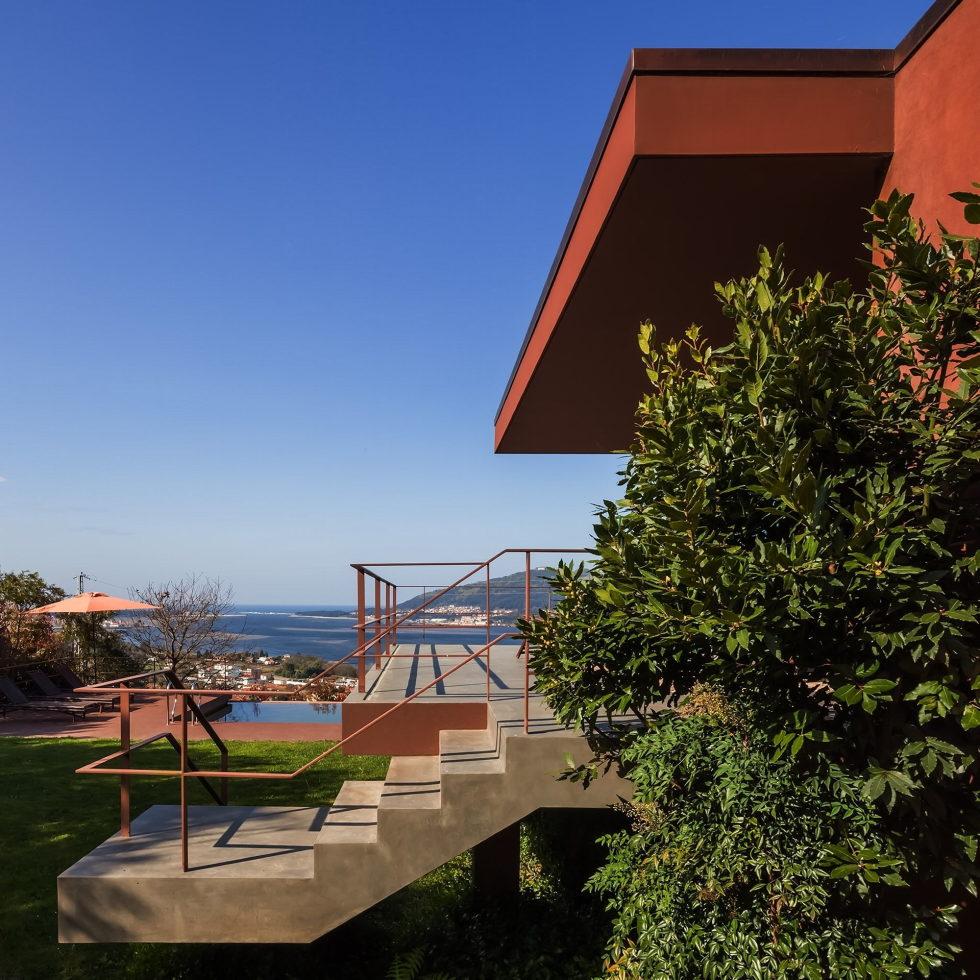 The country residence Casa de Seixas Portugal from Castro Calapez Arquitectos studio 4