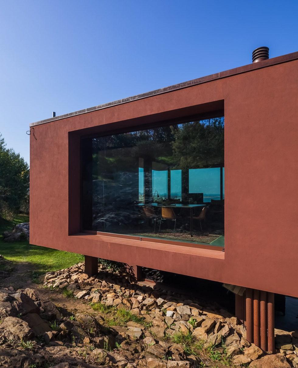 The country residence Casa de Seixas Portugal from Castro Calapez Arquitectos studio 5