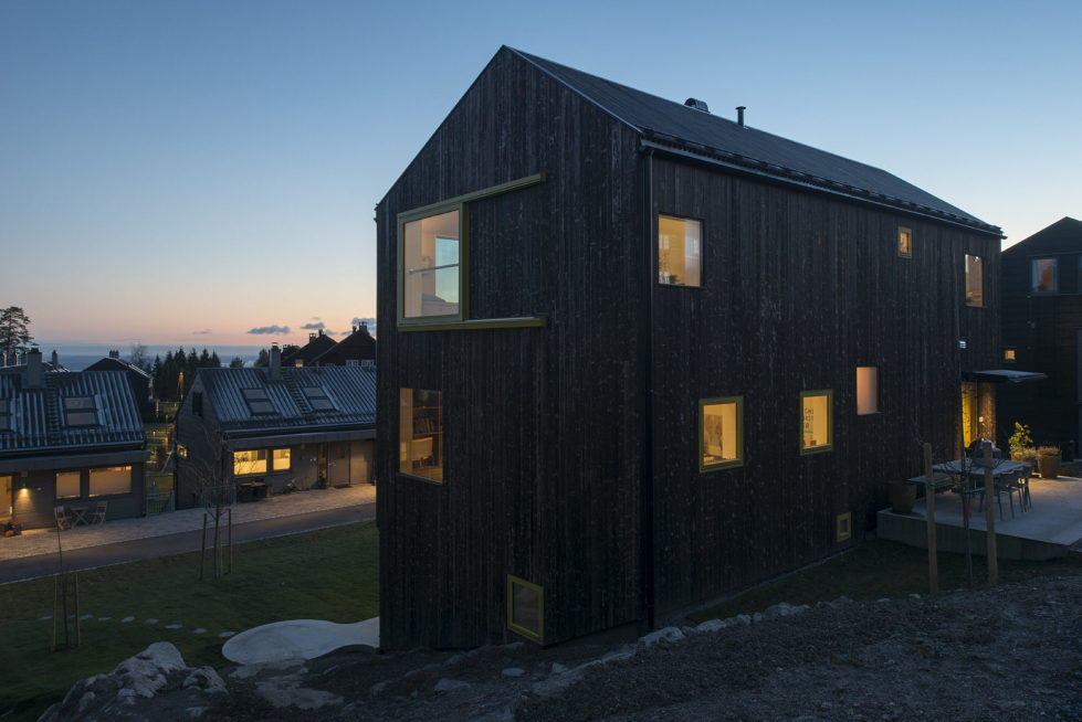 The house Linnebo overlooking Oslo by the project of Schjelderup Trondahl Arkitekter studio 15