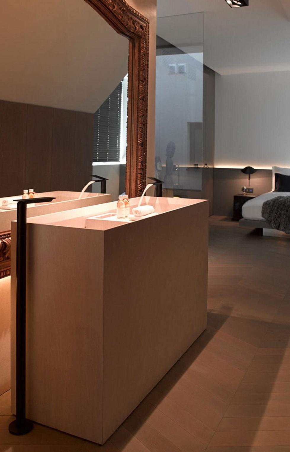 The mansard apartment in loft style in Vienna from Bernd Gruber studio 16