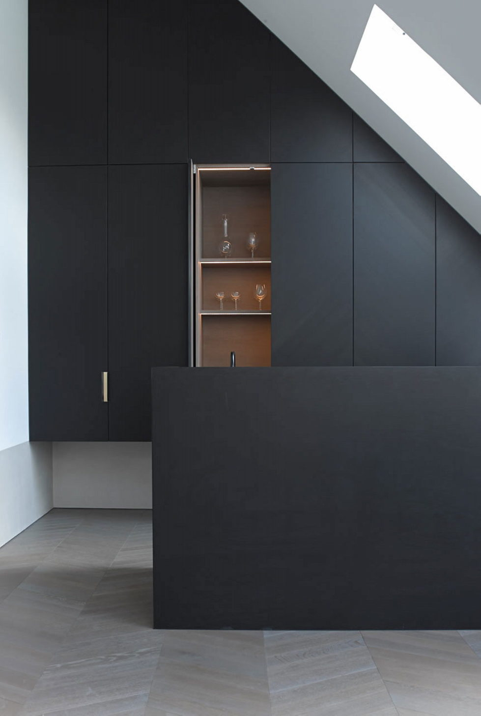 The mansard apartment in loft style in Vienna from Bernd Gruber studio 7