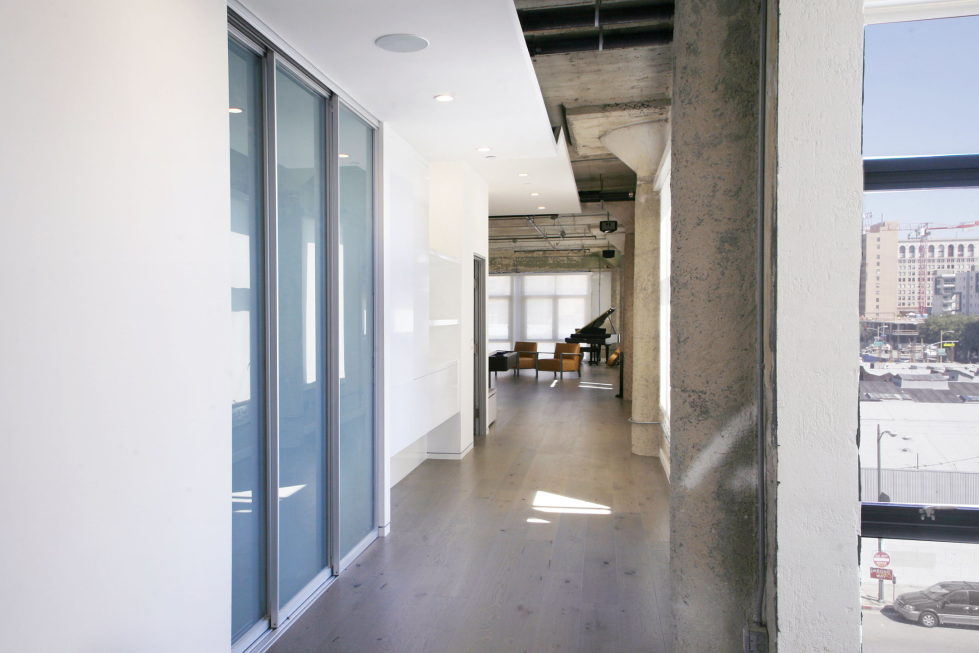 Twin Loft Apartment In Los Angeles Upon The Project Of CHA ...
