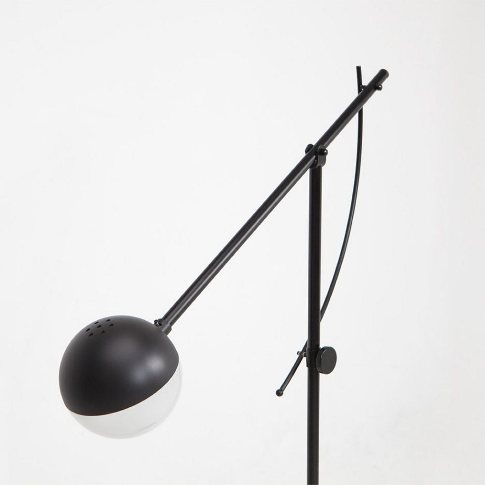 Balancer – a stylish luminaire from the German studio Yuue Design 3