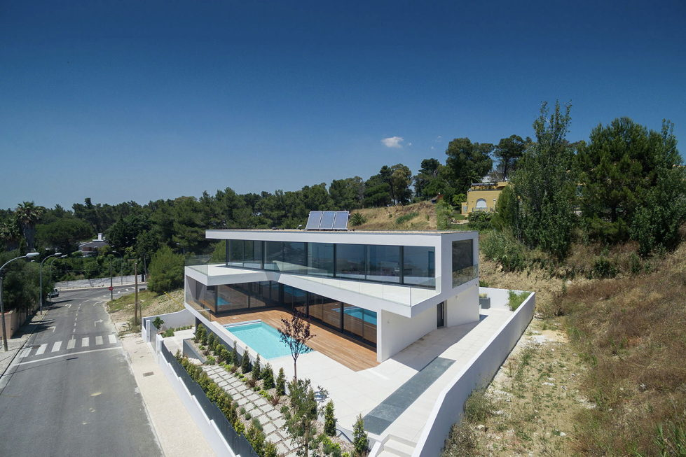 JC House Villa At The Suburb Of Lisbon, Portugal, Upon The Project Of JPS Atelier 2