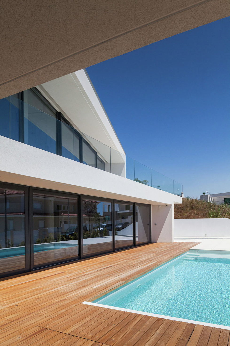 JC House Villa At The Suburb Of Lisbon, Portugal, Upon The Project Of JPS Atelier 23