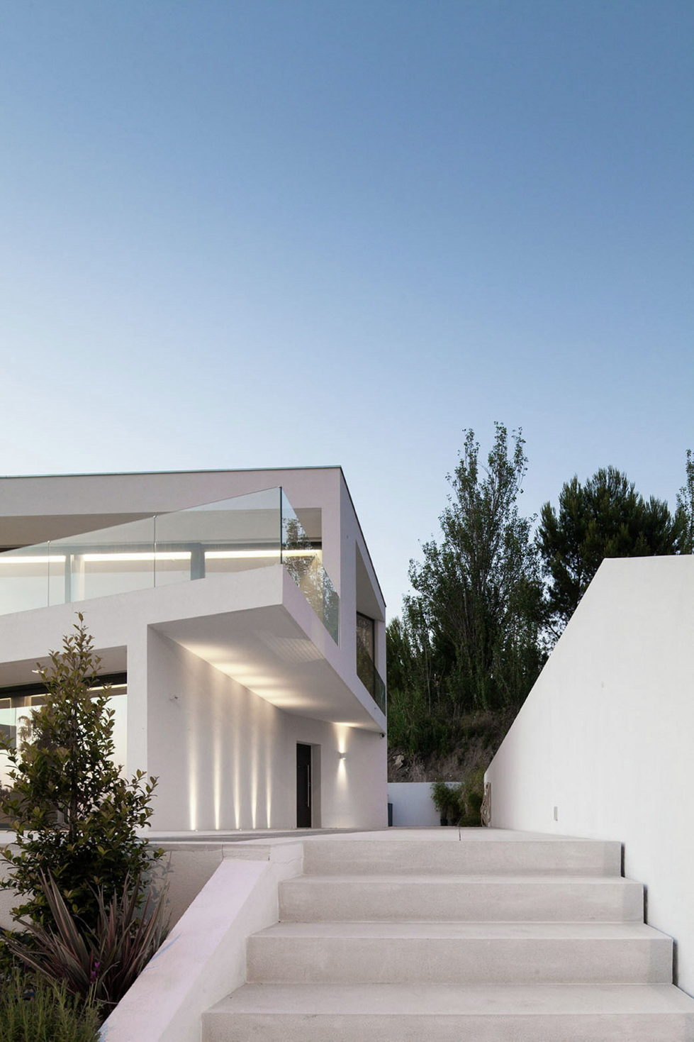 JC House Villa At The Suburb Of Lisbon, Portugal, Upon The Project Of JPS Atelier 25