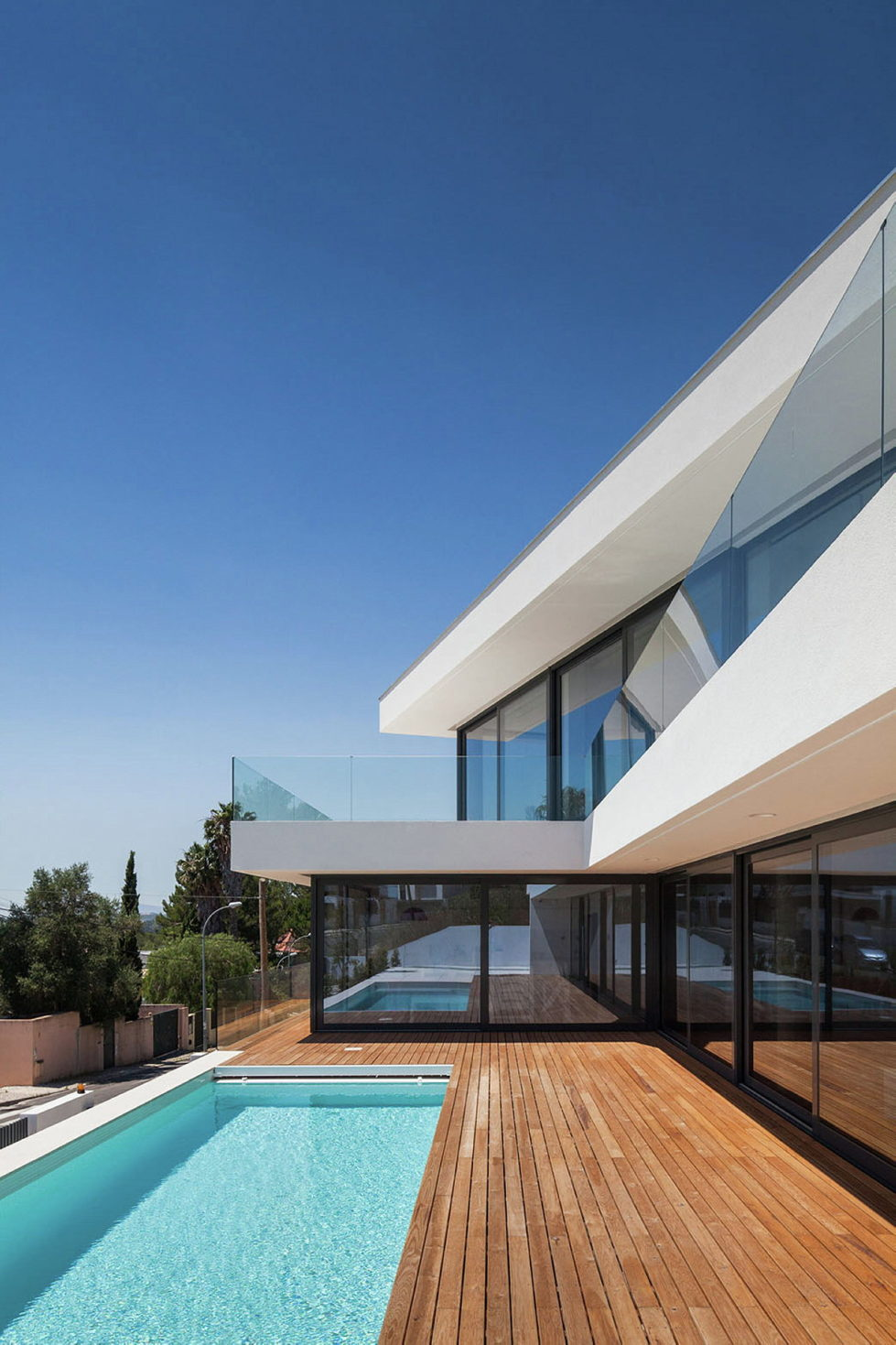 JC House Villa At The Suburb Of Lisbon, Portugal, Upon The Project Of JPS Atelier 4