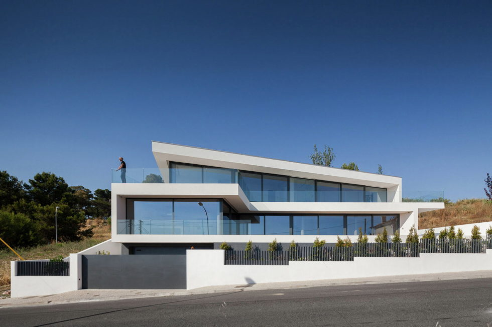 JC House Villa At The Suburb Of Lisbon, Portugal, Upon The Project Of JPS Atelier 5