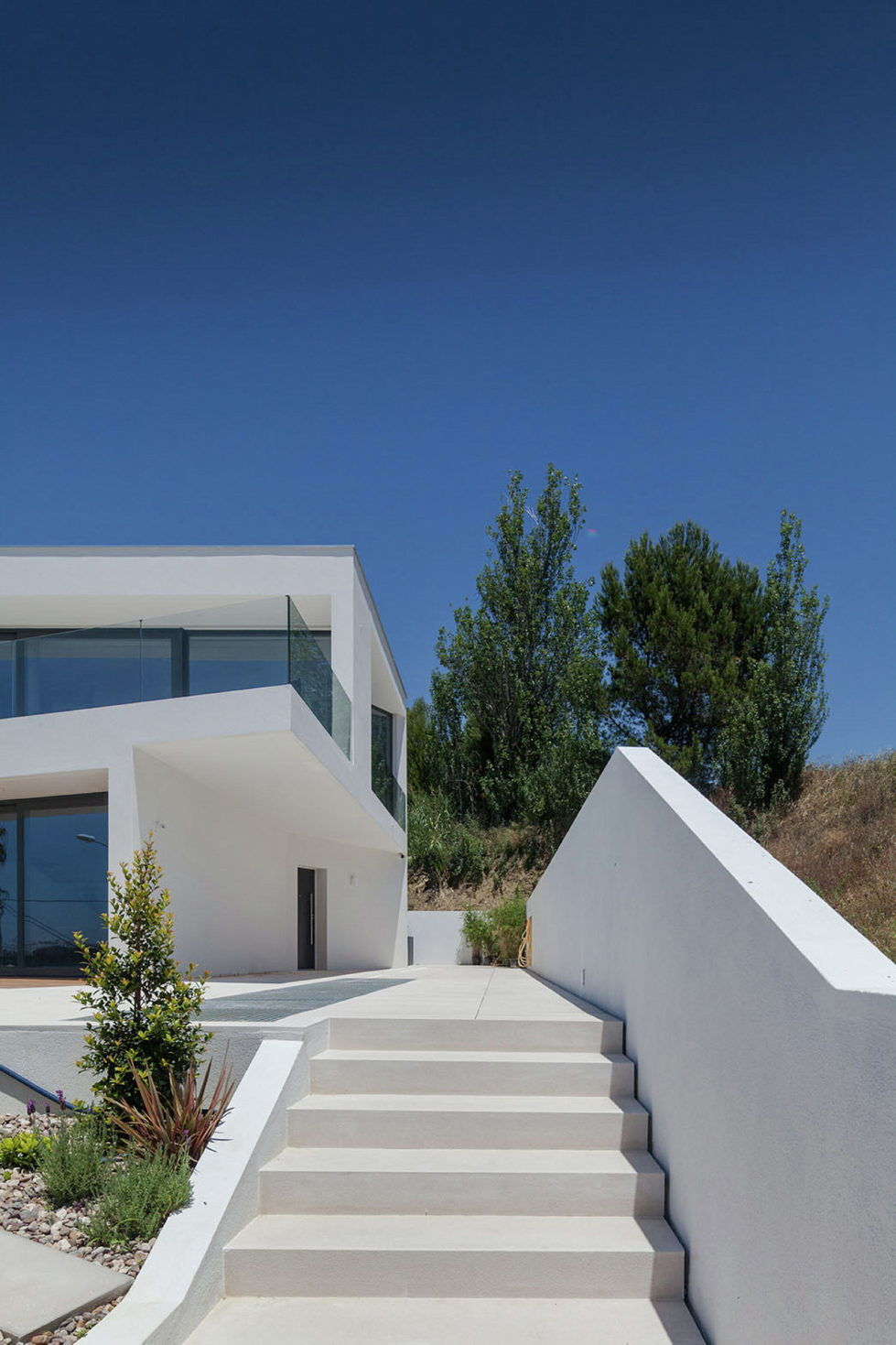 JC House Villa At The Suburb Of Lisbon, Portugal, Upon The Project Of JPS Atelier 9