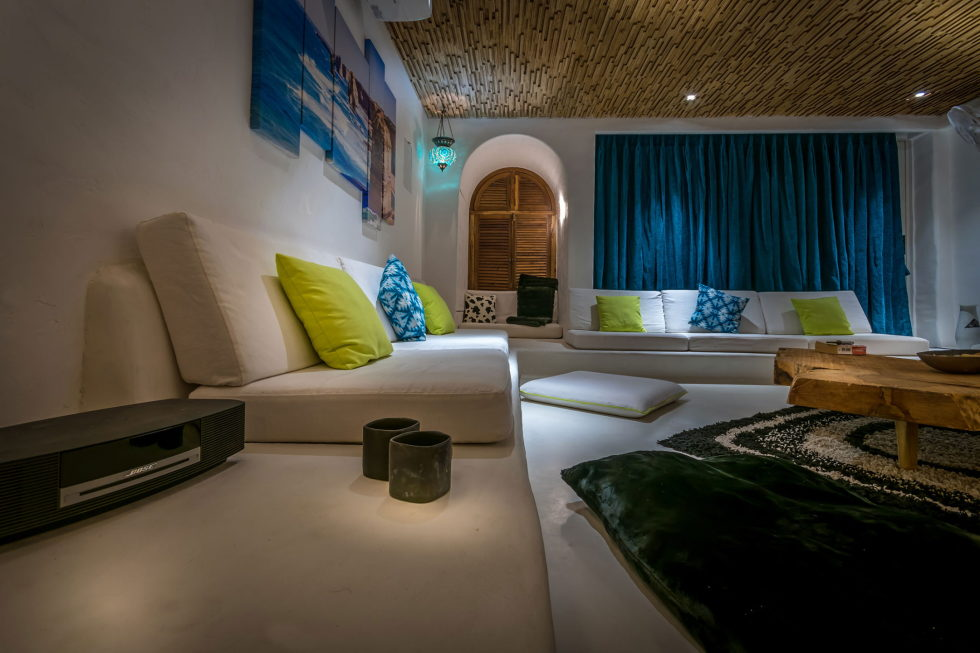Jains Residence With Glamorous Design In Juhu The Project Of Skyward Architects 4