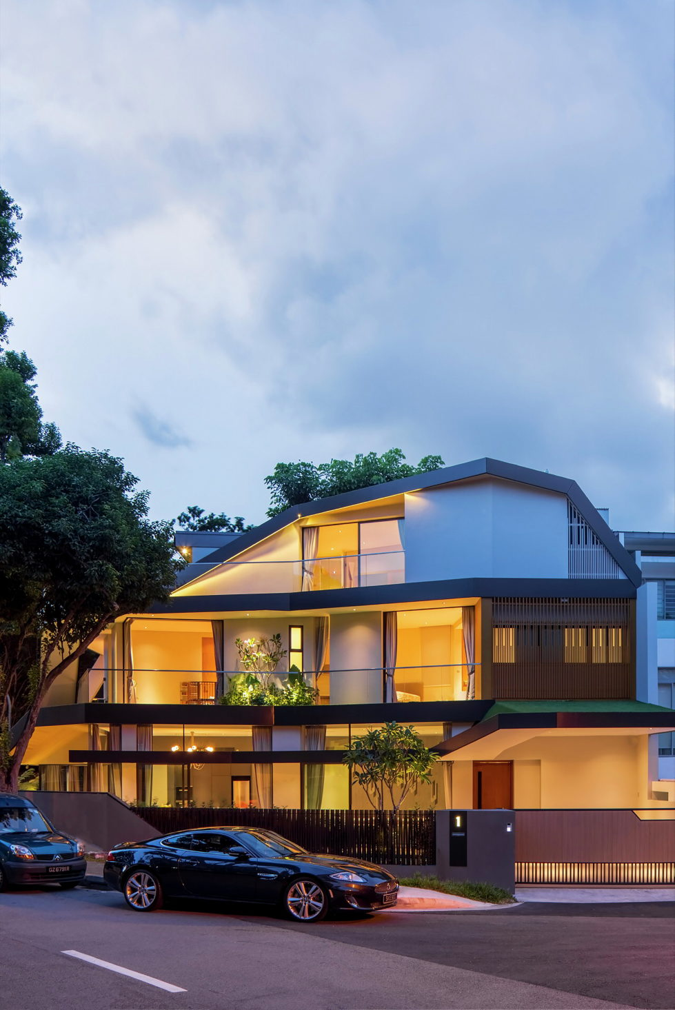 Luxurious Trevose House In Modern Style In Singapore 16