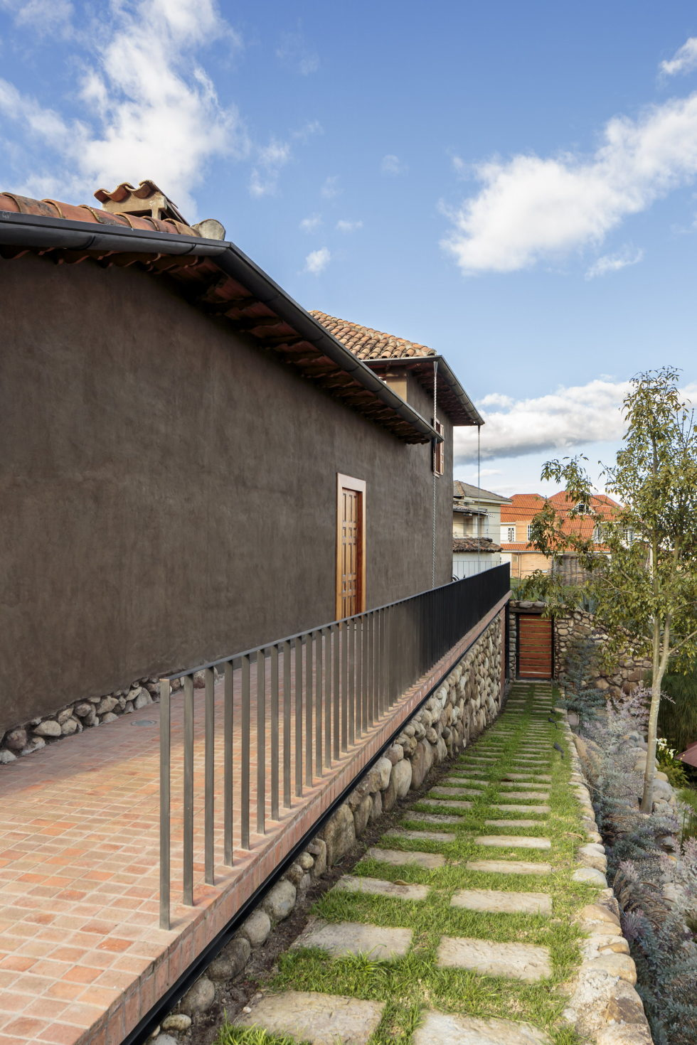 Shape Loma house in Cuenca by architect Ivan Andres Quizhpe 14
