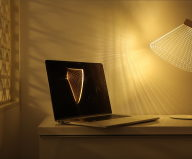 The new version of the Bulbing lamp with D effect by Nir Chehanowski DESKi