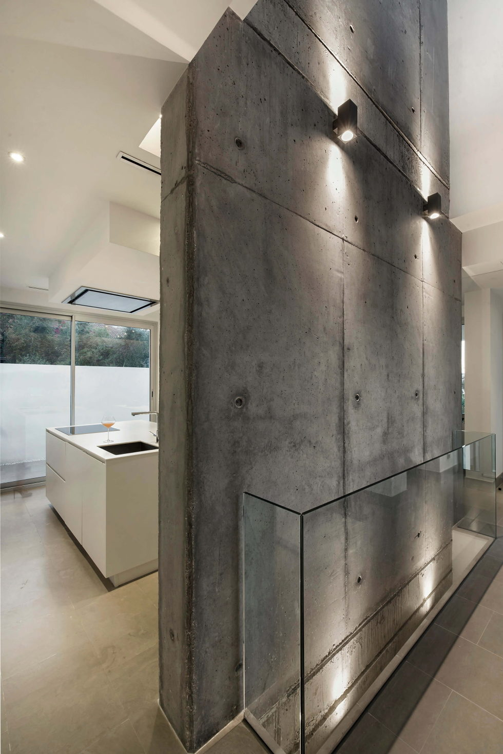 Two-Storey Casa Manduka House On The South Of Spain Upon The Project Of Sergio Suarez Marchena 10