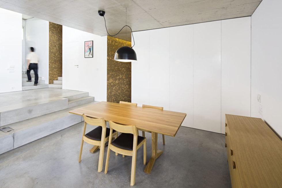 Camarim Arquitectos House in Gateira 17