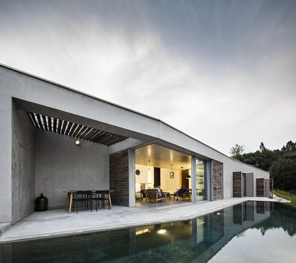 Camarim Arquitectos House in Gateira 24