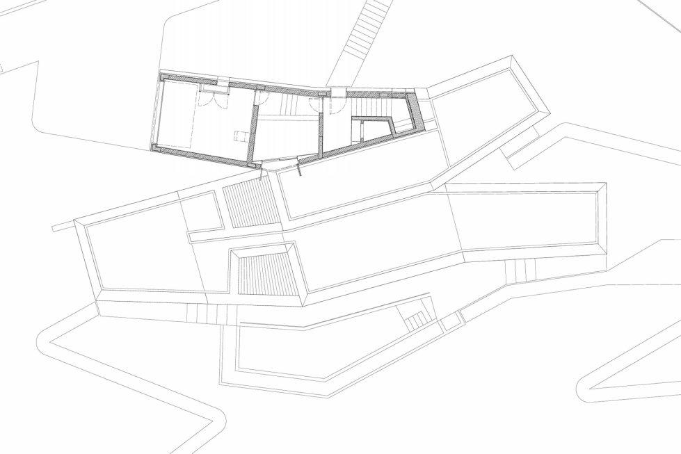 Camarim Arquitectos House in Gateira Plan 4