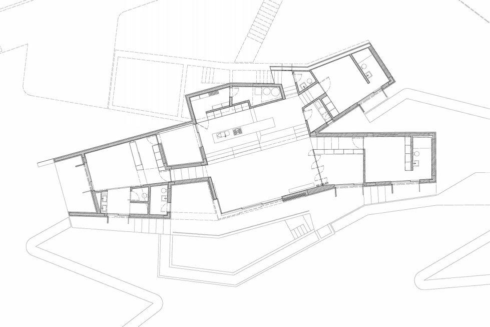 Camarim Arquitectos House in Gateira Plan 5