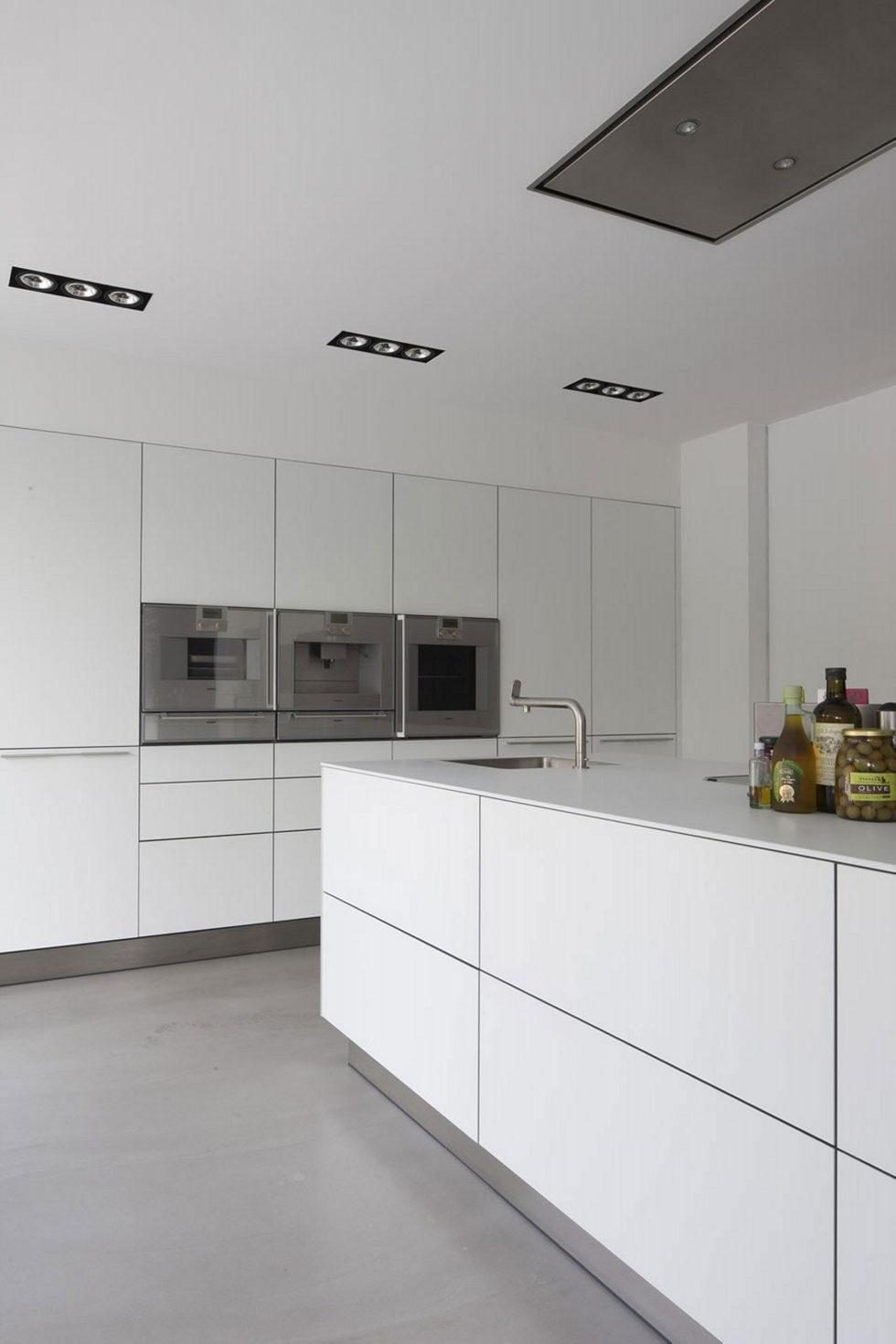 Spee Haelen Minimalism-Style Villa From Lab32 architecten Studio 21