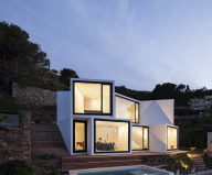 Sunflower House Luxurious Villa In Spain, The Project Of Cadaval & Sola-Morales Studio 1