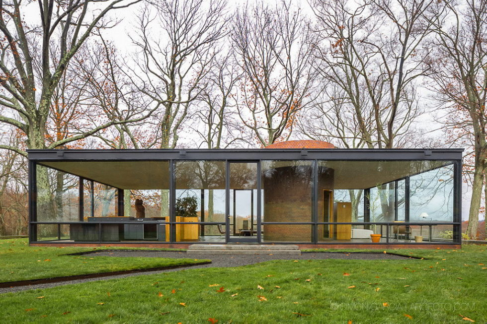 The Glass House in Connecticut 2