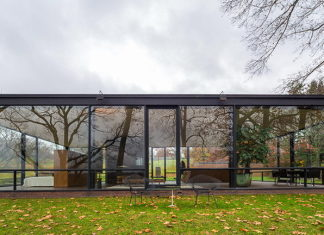 The Glass House in Connecticut 20