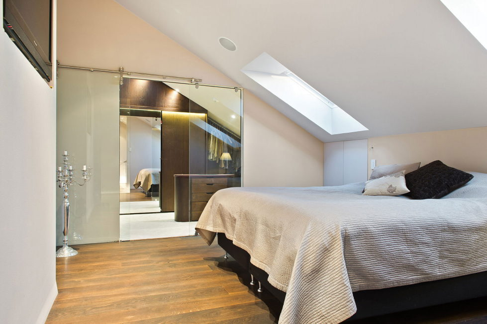 The apartment of 150 square meters in the attic in Stockholm 7
