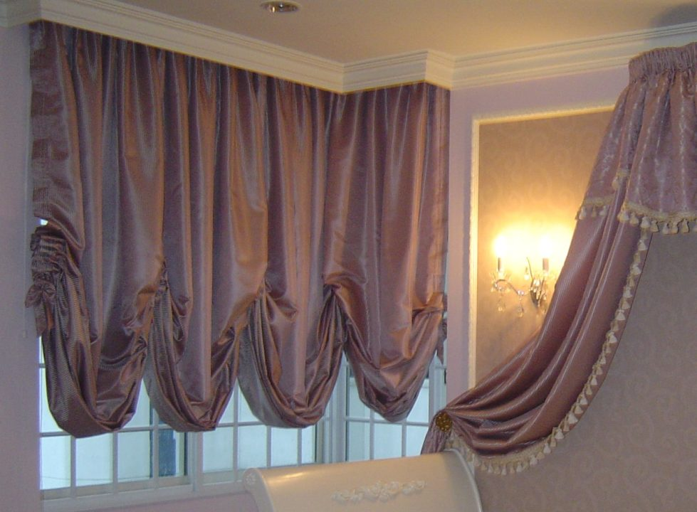 austrian-curtains-bedroom