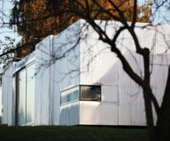 Casa Invisible The Mirror House From Delugan Meissl Associated Architects 11