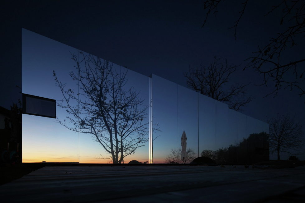 Casa Invisible The Mirror House From Delugan Meissl Associated Architects 18