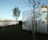 Casa Invisible The Mirror House From Delugan Meissl Associated Architects 2