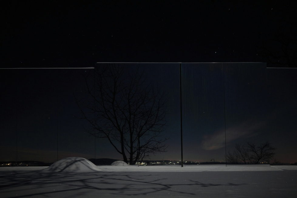 Casa Invisible The Mirror House From Delugan Meissl Associated Architects 20