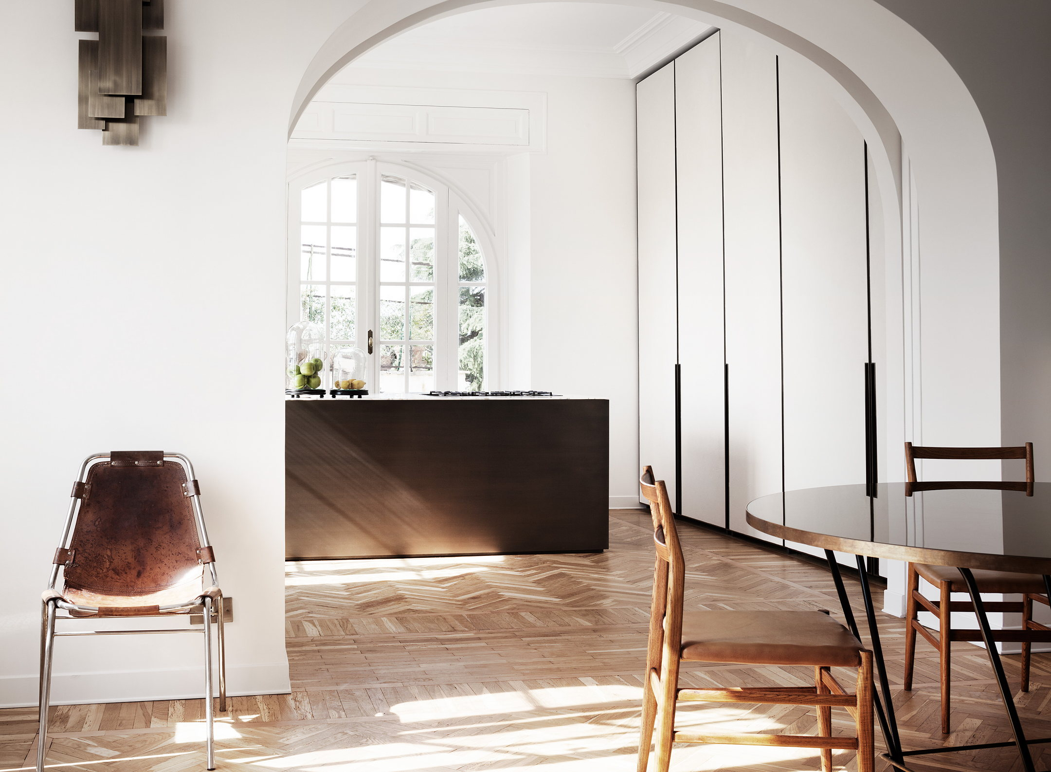 Minimalism and plenty of light in rome for Casa design roma