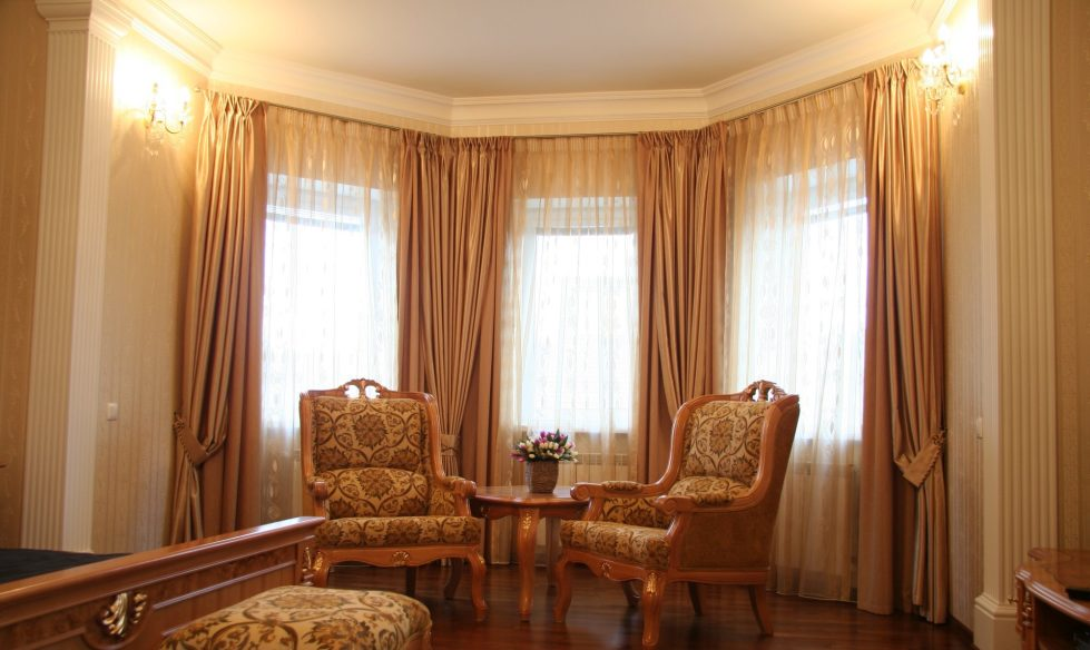 awesome Living Room Curtains Designs Part - 19: Living Room Curtains - classical style