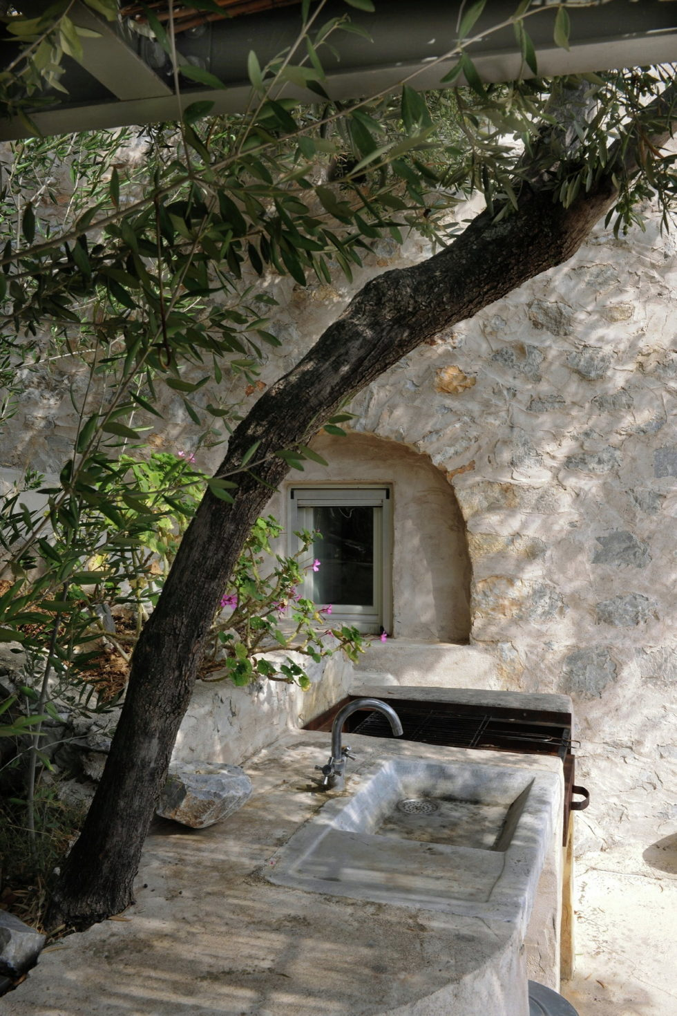 Mani Tower House In Greece From Z-level Studio 10