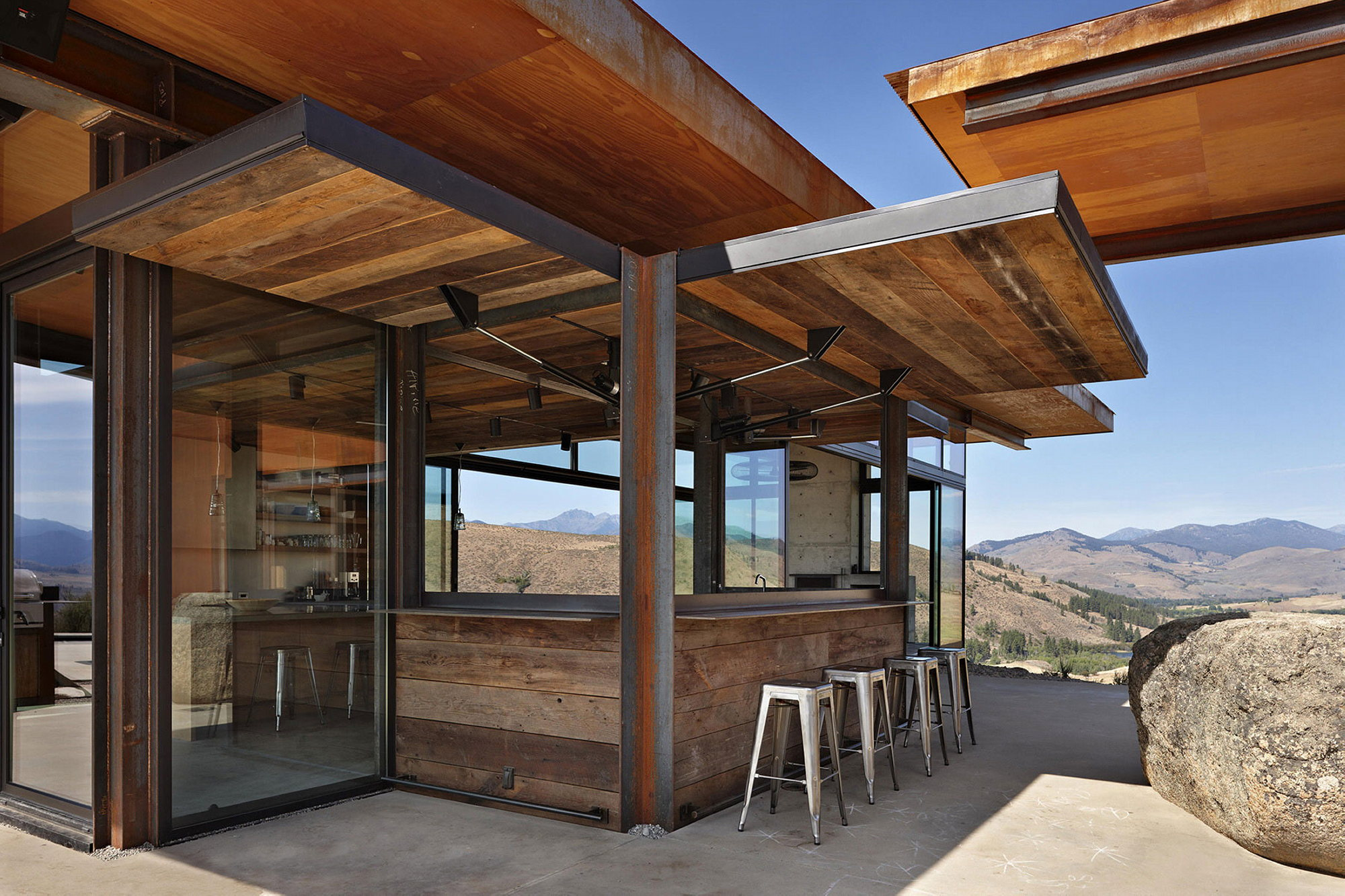 The Country House In The Picturesque Valley The Project