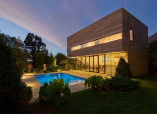 The Guest House With A Swimming Pool In Arizona 12