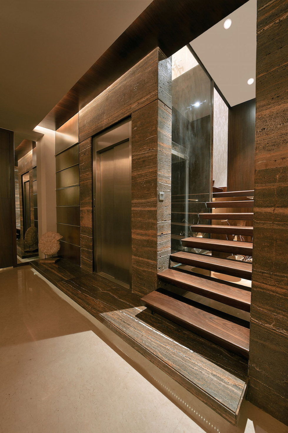 The Two-Storey Apartment In Mumbai The Project Of Space Dynamix Studio 7