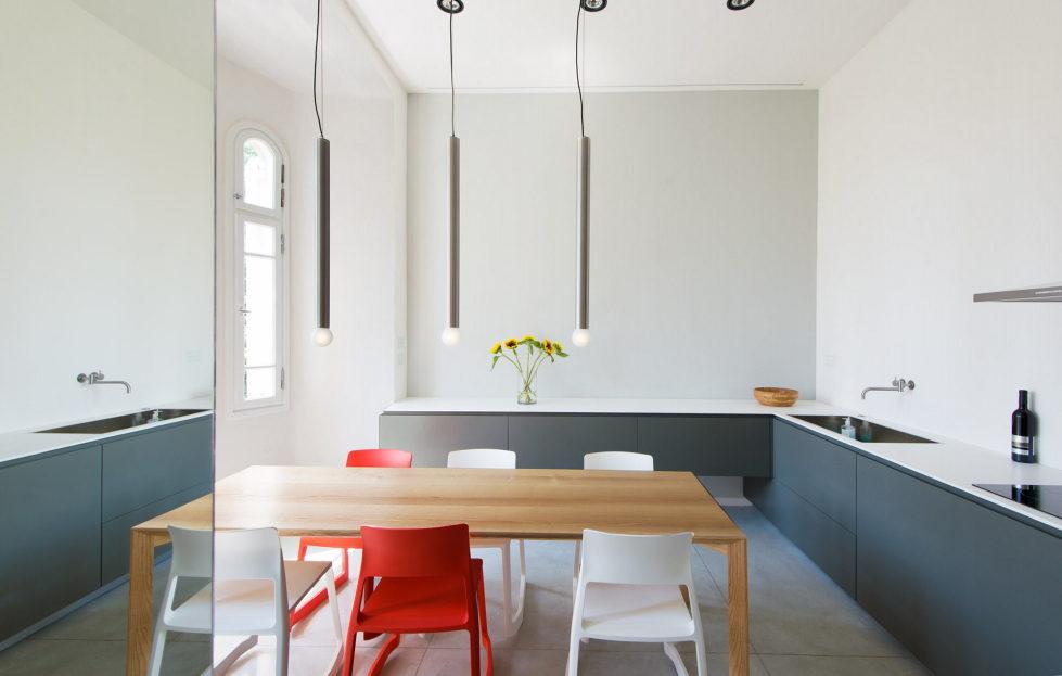 Three-bedroom apartment in Tel Aviv by Chiara Ferrari Studio 4