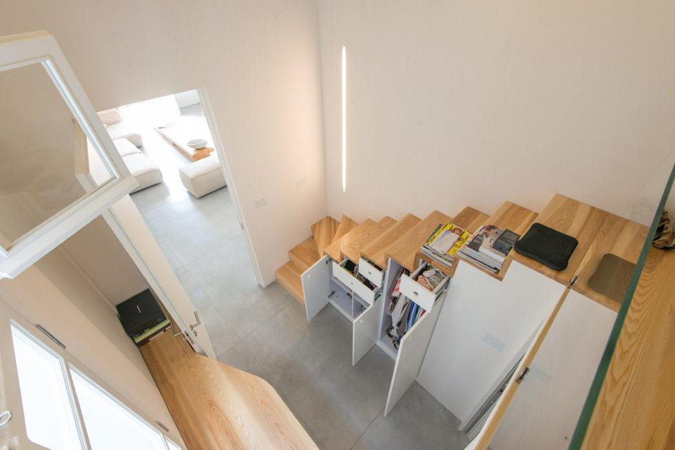 Three-bedroom apartment in Tel Aviv by Chiara Ferrari Studio 7