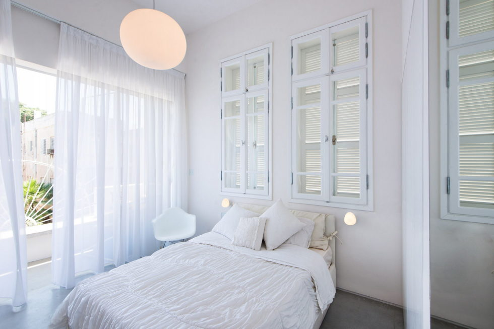 Three-bedroom apartment in Tel Aviv by Chiara Ferrari Studio 8